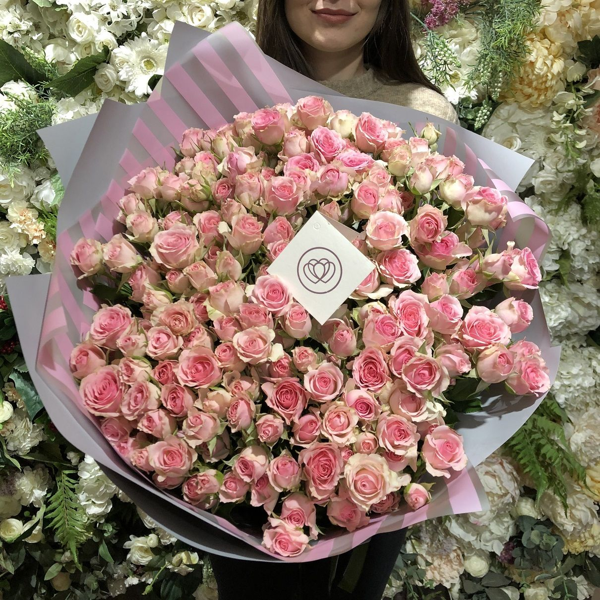 51 розовая кустовая роза фото