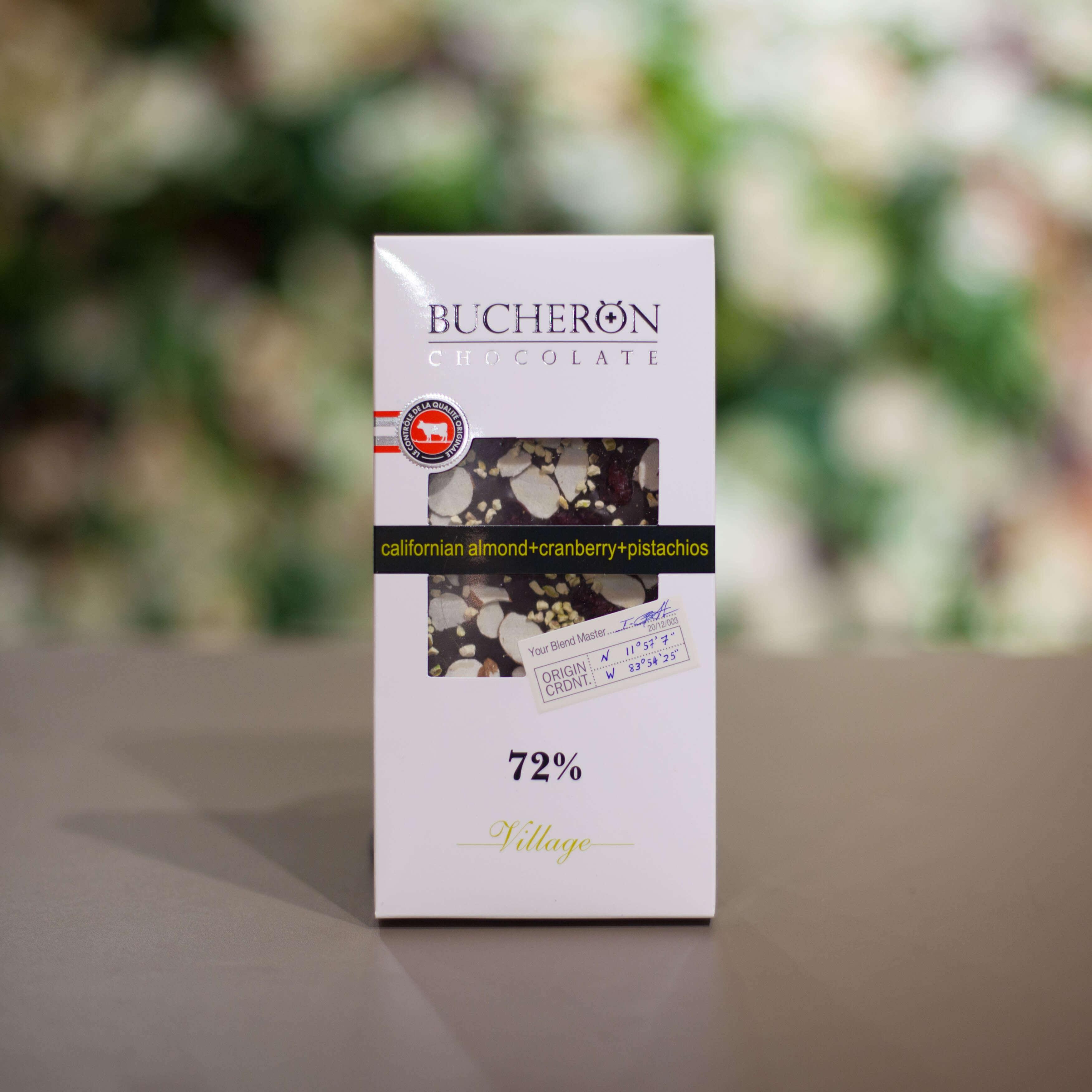 Шоколад BUCHERON с миндалем, клюквой и фисташками 100 гр. фото