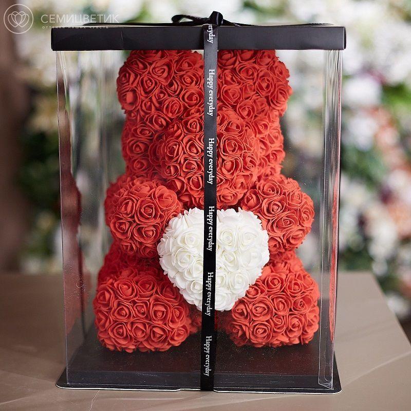 Мишка из роз красный с белым сердечком 40 см фото