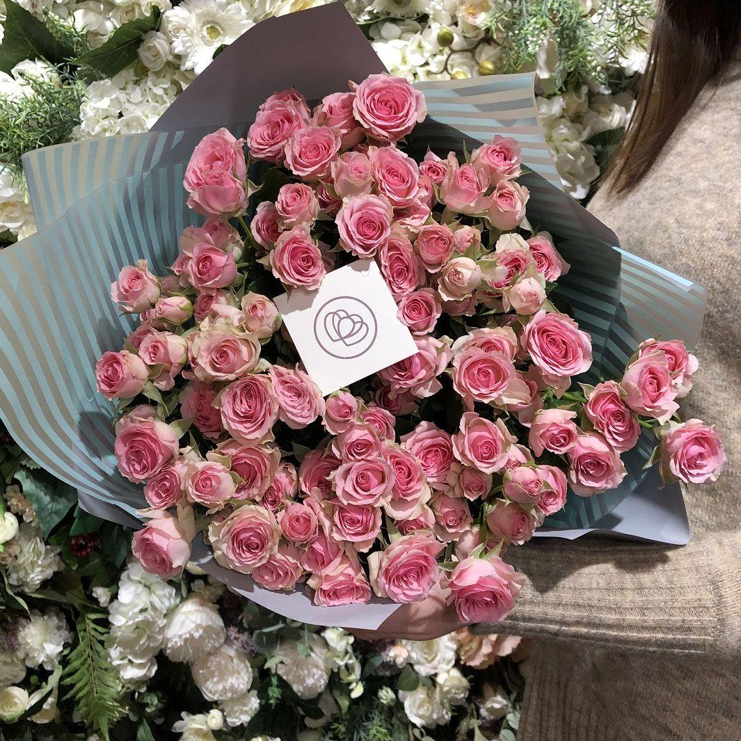 25 розовых кустовых роз фото