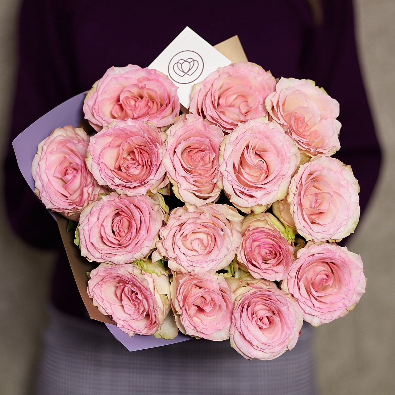 15 нежно-розовых роз 40 см Premium фото