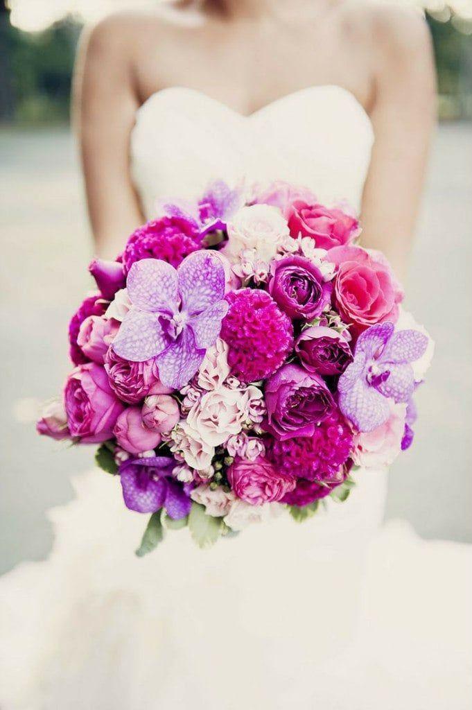 Свадебный букет из целозии, орхидеи ванды и роз фото