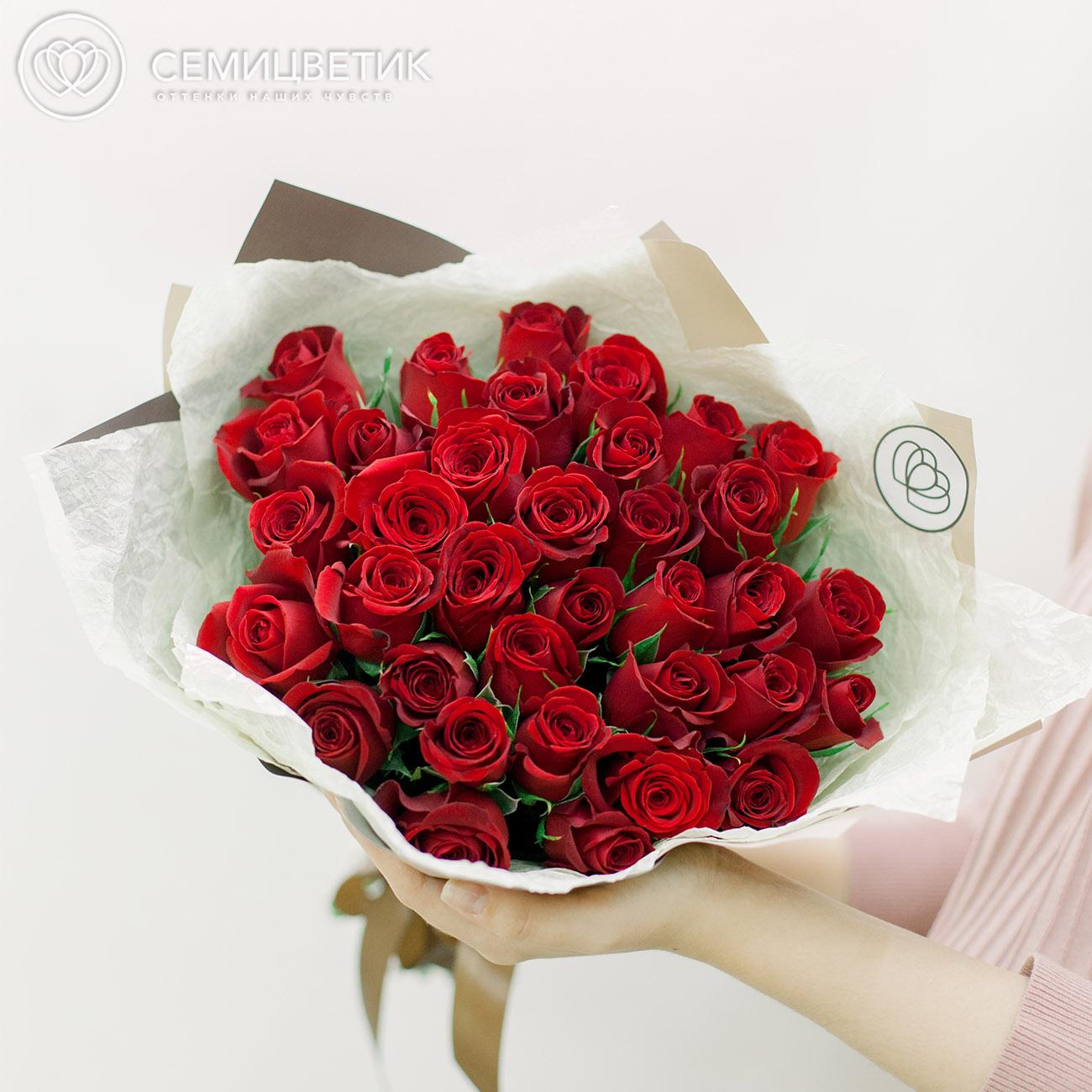 35 красных роз Premium фото