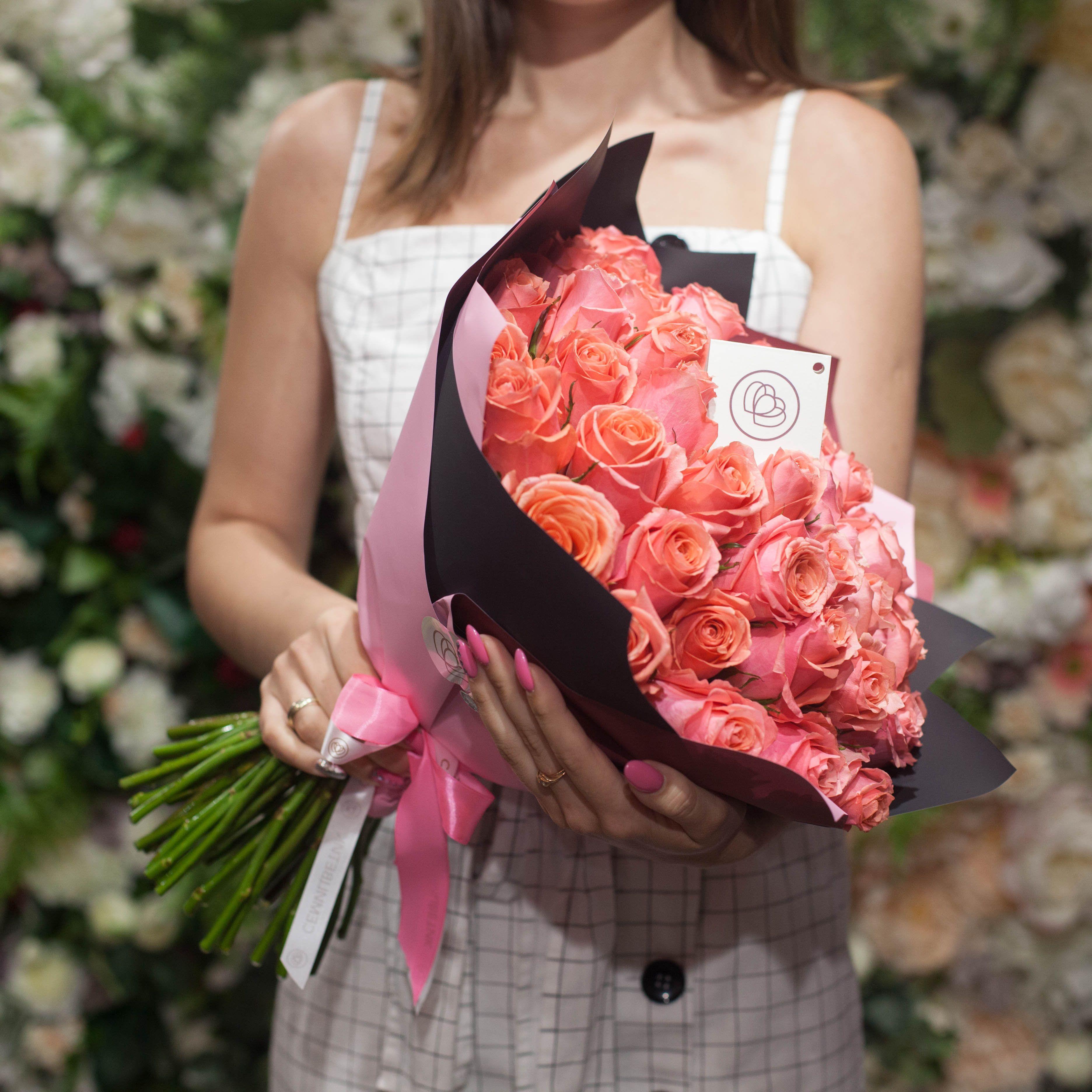 31 коралловая роза 40 см Premium фото
