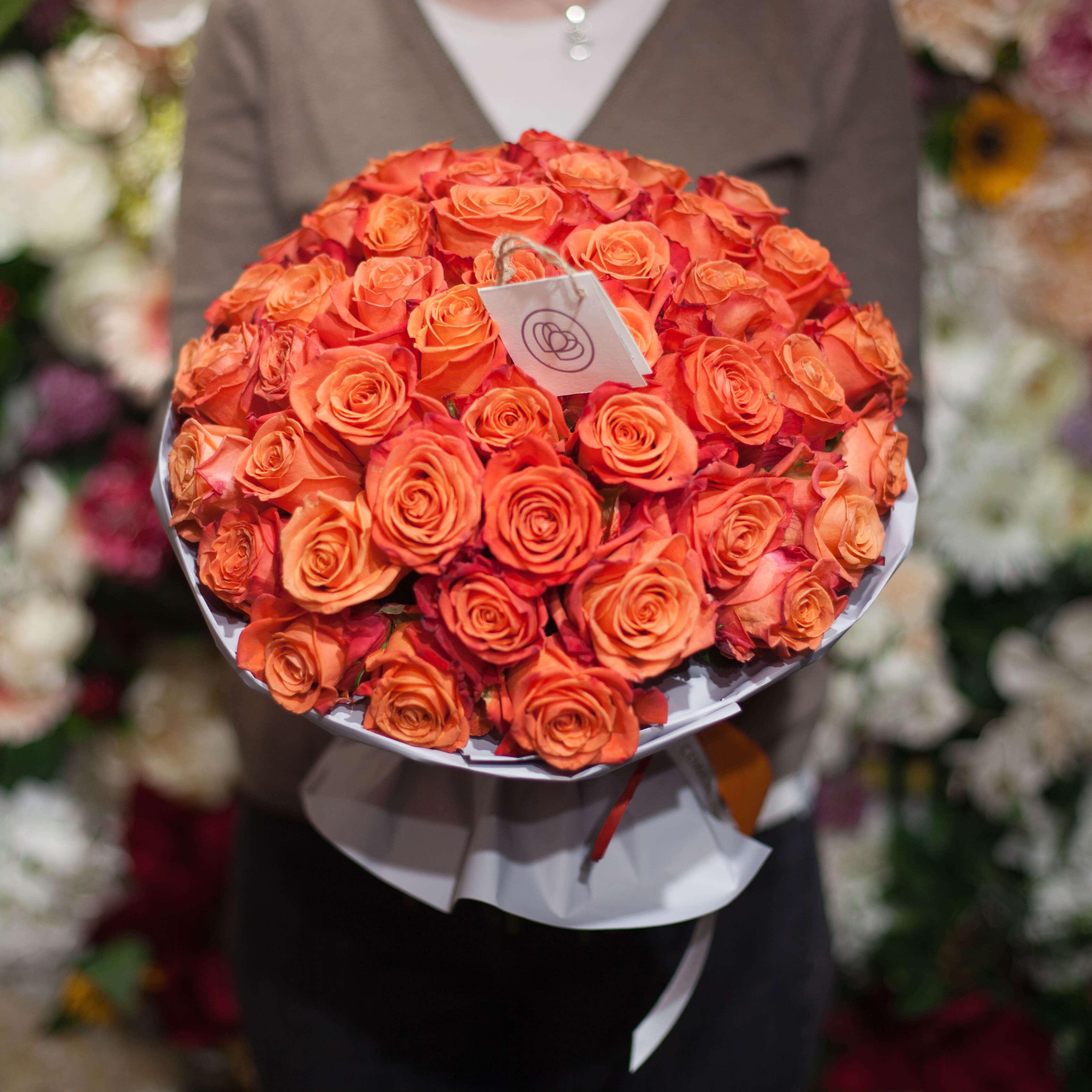 51 роза Orange Crush 50 см фото