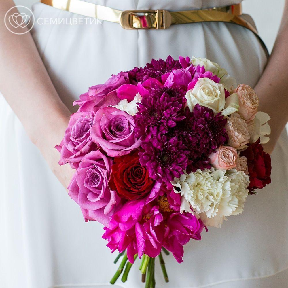 Свадебный букет из пионовидной розы, хризантемы и роз фото