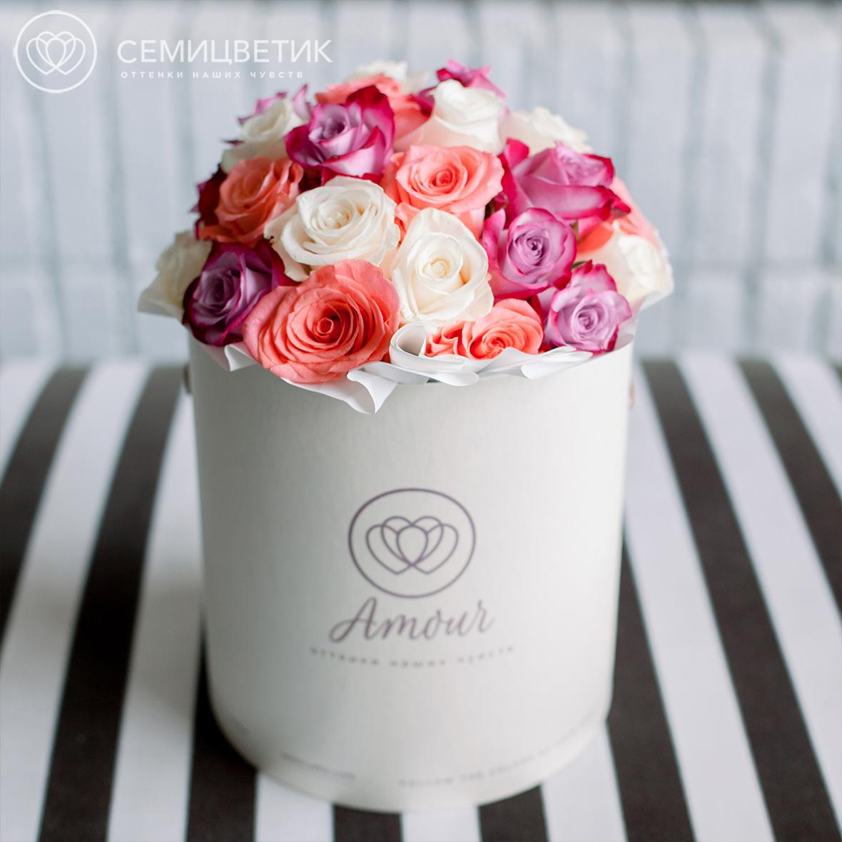 Шляпная коробка Amour с розами микс фото