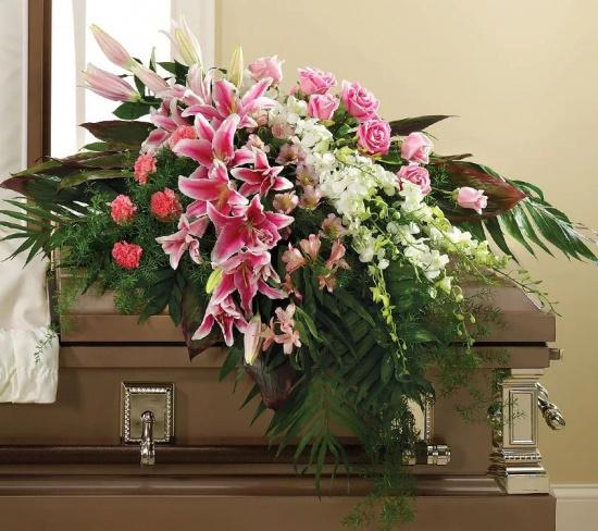 Какие цветы нести на могилу