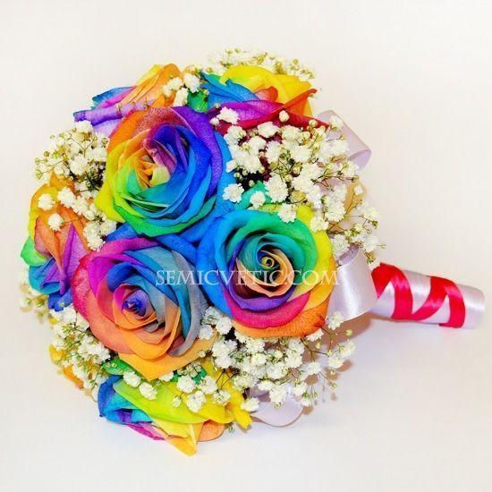Свадебный букет из радужных роз и гипсофилы фото