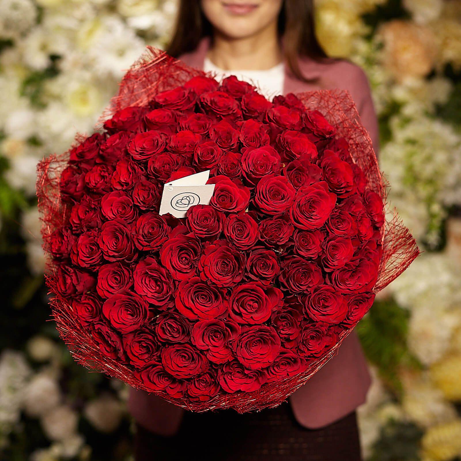 75 красных кенийских роз 40 см Premium фото