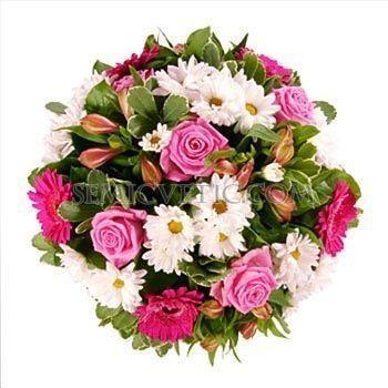 Букет из розы Аква, герберы мини, хризантемы кустовой и альстромерии фото